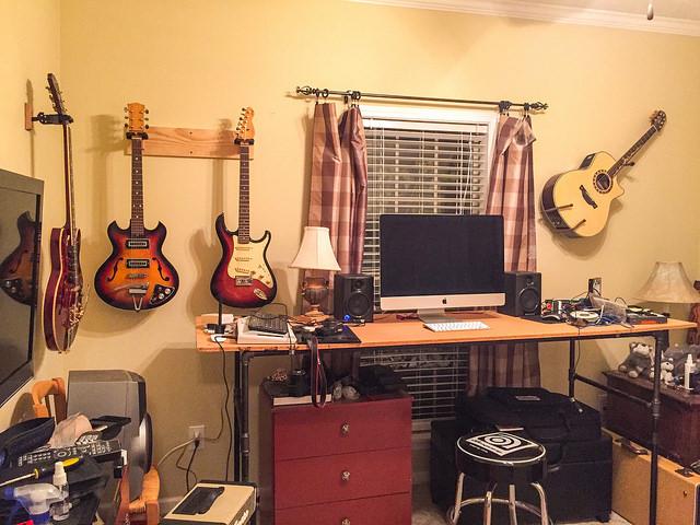 Hubby's New Desk